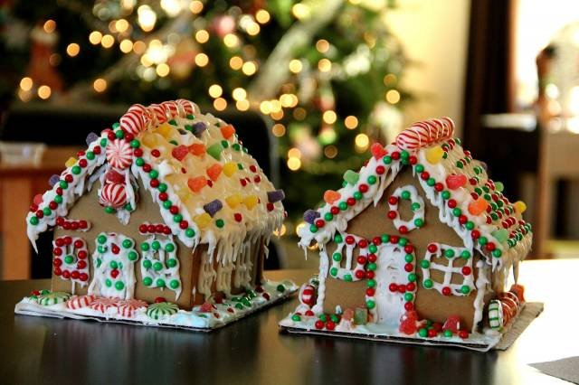 Gingerbread House Family Experience