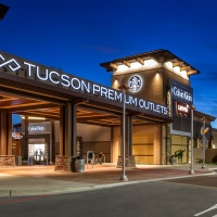 Tucson Premium Outlets at Marana Center Has Back to School Deals and New Harry Potter Magic!
