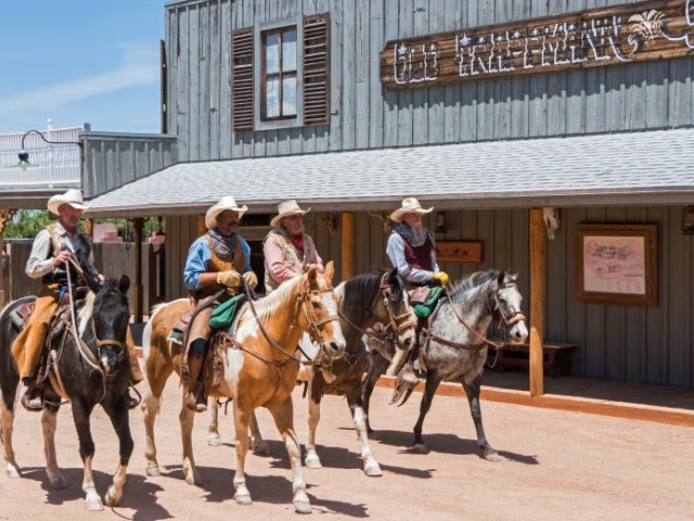 Arizona getaway: Dude ranches, horses and Wild West adventure